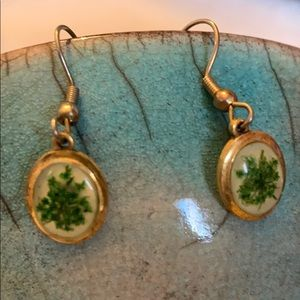 🍀 Green earrings with preserved flowers